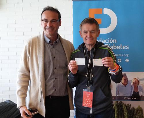 Jaume Picazos entrega el Carnet Amigo a Toni Cornellas
