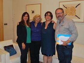 La alcaldesa de Madrid, Manuela Carmena, recibe a la Fundación para la Diabetes