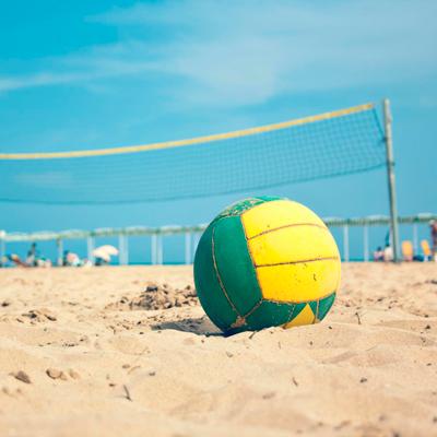Balón en la playa