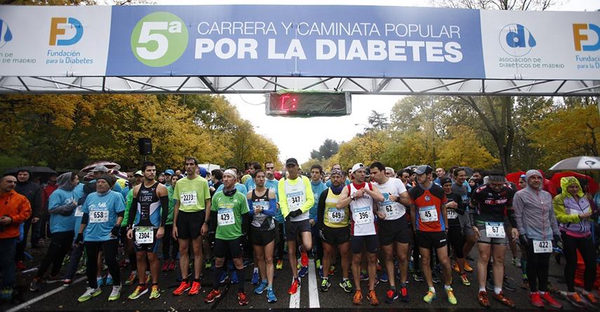 """Cerca de 4.000 corredores se unen a la """"marea azul"""" en la 5ª Carrera y Caminata Popular por la Diabetes"""