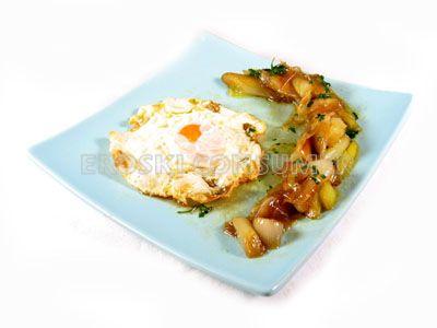 Huevos con puerro