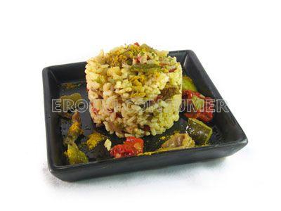 Arroz con pisto, setas y curry