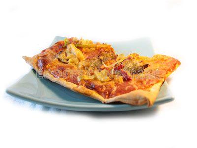 Pizza de puerros, cebolla y bacalao