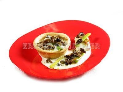 Tartaleta de champiñones y queso brie