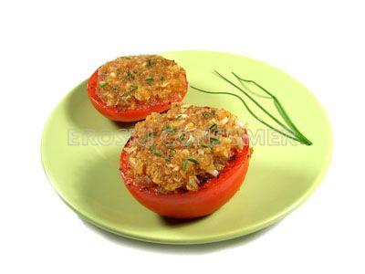 Tomates al horno con perejil y ajo picado