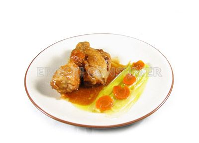 Pollo con puerro pochado