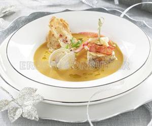 COMIDA DE NAVIDAD.<br /> 1er. Plato: <br />Souquet de pescado y marisco con brocheta de rape y bogavante