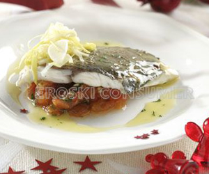 COMIDA DE AÑO NUEVO.<br /> 2º Plato: <br />Lomo de dorada asada con reducción de cava y tomate concassé