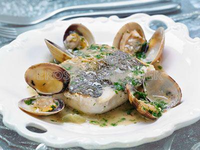 CENA DE NOCHEVIEJA.<br />2º Plato: <br /> Receta de lomos de merluza dos cocciones con almejas y tallos de borraja en su salsa
