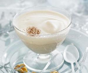 CENA DE NOCHEBUENA.<br /> Postre: <br />  Intxaursalsa (nueces con leche) en dos texturas con crujiente de nueces