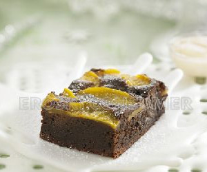 CENA DE NOCHEVIEJA.<br />Postre: <br /> Brownies de chocolate con melocotón en almíbar