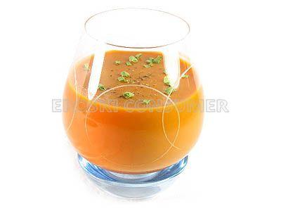 Sopa de tomate aromatizada con pimientas variadas