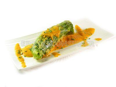 Pimientos verdes italianos rellenos de pollo