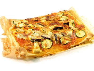 Pizza de calabacín y berenjena con queso feta