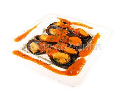 Mejillones al vapor con salsa de tomate picantona