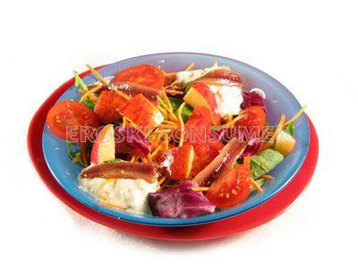 Ensalada de zanahoria rallada y manzana con aliño de yogur