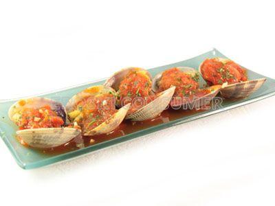 Almejas con salsa de tomate casera picante