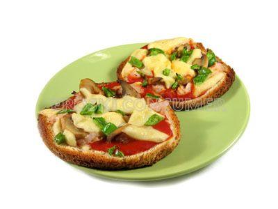 Pizza margarita con pavo en pan de molde
