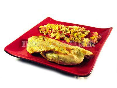 Pechuga de pavo a la plancha con guarnición de ensalada de arroz