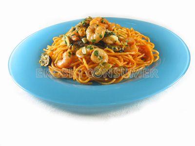 Espaguetis a la marinera con mejillones y gambas