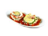 Cazuela de calabacín con jamón serrano, requesón y tomate